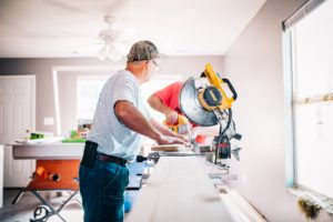 New Vat rules for construction - builders in a room